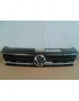 Volkswagen TIGUAN ATRAPA 15...